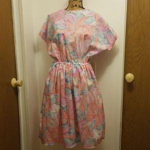 Vintage 1980s Retro Midi Peach Lily Floral Dress